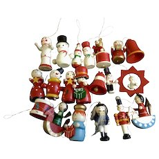 20 Vintage Wooden Snowman Angels Nutcrackers Bears Hand Painted Christmas Tree Ornaments Group