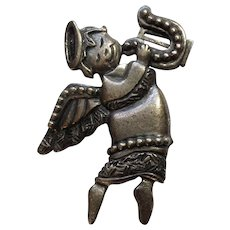 Pewter Flying Angel Brooch Pin Newpro Designs Inc Costume Jewelry