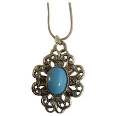 """Pretty Faux Turquoise Silver-Tone Necklace 17-1/2"""" Chain"""