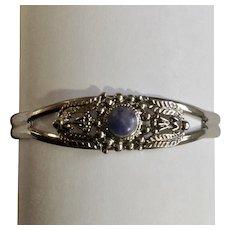 Pretty Silver-tone Blue stone Bracelet Approximately 7 Inch Wrist