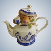 Paul Cardew Medium Dormouse Asian Teapot Limited Edition FDC 12322
