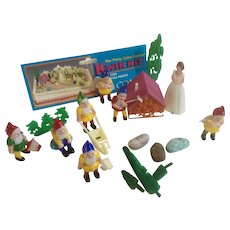 Snow White and the Seven Dwarfs Party Cake Decorations K1196 Made by Coast