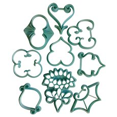 Vintage Wilton Fondant Cookie Cutters 1972 Wedding Bakery Cake Decorating Pattern Press Set 9 Scrolls 408-91 Blue