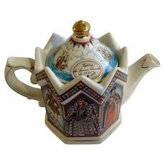 James Sadler Fighting the Spanish Armada Teapot - Elizabeth I Queen of England, Sir Walter Raleigh, Sir Francis Drake, Robert Dudley, Lord Burghley Porcelain Ceramic Limited Edition Made in Staffordshire #4442