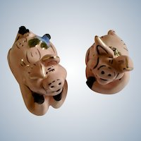 Happy Honey Hams Pink Pigs Salt and Pepper Shakers Studio H By Heather Goldminc Ceramic Figurines