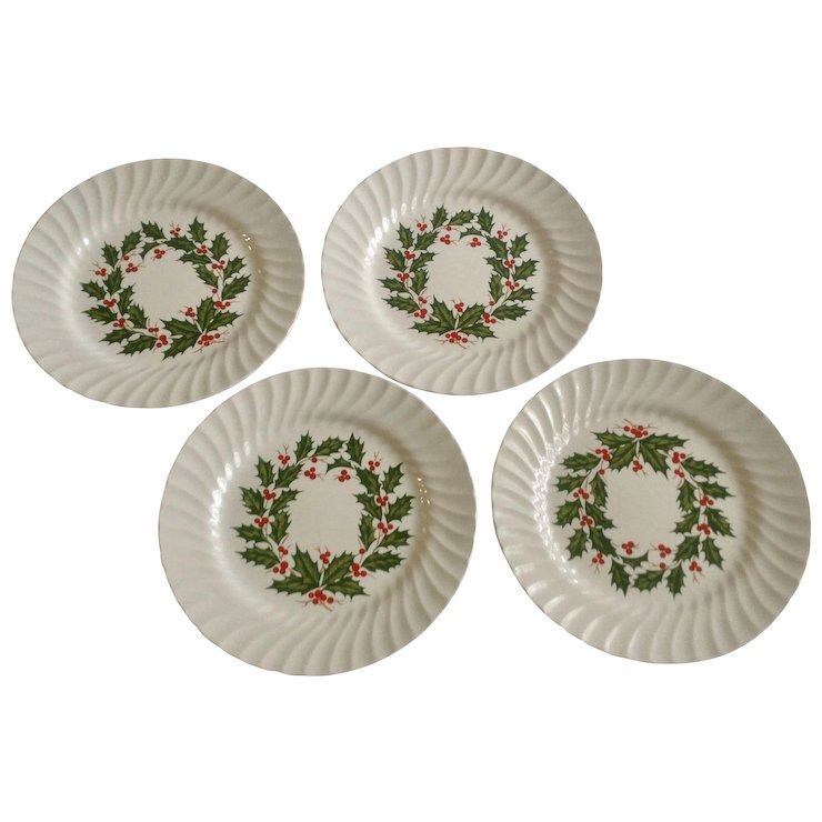 Scio Holly Berry Wreath / Ring Center Scalloped Dinner Plates 10-1/8 Inches  sc 1 st  Ruby Lane & Scio Holly Berry Wreath / Ring Center Scalloped Dinner Plates 10-1/8 ...