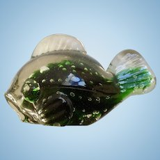 Vintage Lefton Japan Art Glass Fish Paperweight Green Encased with Bubbles