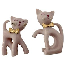 Thames Vintage Howling Cat Long Neck Pink Atomic Kitten Figurines