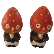 Funny Strawberry Head Anthropomorphic Salt and Pepper Shakers