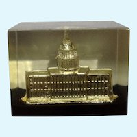 Vintage Washington DC Capital Building Paperweight Lucite Acrylic By Capsco
