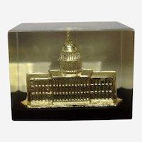 Vintage Washington DC Capital Building Paperweight Lucite Acrylic By Capsco
