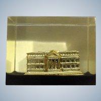 Vintage Washington DC White House Paperweight Lucite Acrylic By Capsco