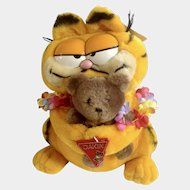 1981 Garfield The Cat Hawaii Holding Pooky Bear #31-0008 im Davis Plush Stuffed Animal By Dankin with Original Tag