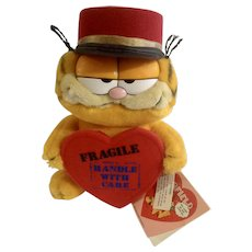 1981 Garfield The Cat Valentine Heart Delivery, Handle With Care #84-7350 Jim Davis Plush Stuffed Animal By Dankin with Original Tag