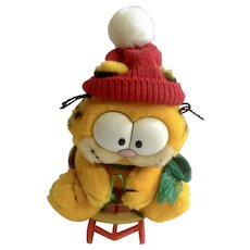1981 Garfield The Cat Snow Sledding, Takes The Mountain #32-7020 Jim Davis Plush Stuffed Animal By Dankin with Original Tag and Sled