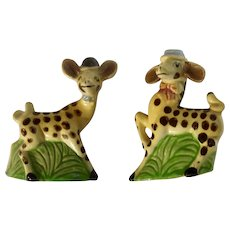 Anthropomorphic Giraffes Wearing Hats Salt and Pepper Shakers Ceramic S&P Animal Figurines Japan
