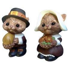 Anthropomorphic Squirrel Pilgrims Salt and Pepper Shakers Hallmark Thanksgiving S&P Figurines