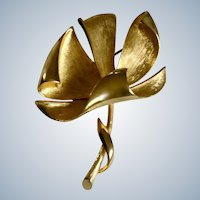 Gold-Tone Flower Brooch Pin 2-1/4 inches