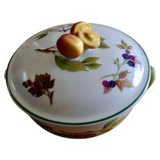 Evesham Vale Royal Worcester Porcelain 1 Pint Covered Round Casserole Baking Dish Peach Handle knob