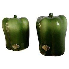 Green Bell Pepper Salt and Pepper Shakers Otagiri Ceramic S&P Figurines 1984