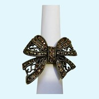 Sparkling Amber Rhinestones on Metal Filigree Bow Ring with Stretchy Band