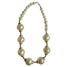 Stunning Faux Pearl and Gold-Tone Necklace Costume Jewelry