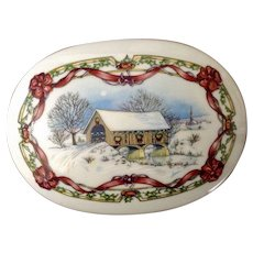 1991 Melodies of Christmas Fine Porcelain Music Box Plays, 'Oh Come All Ye Faithful' Heritage House Retired