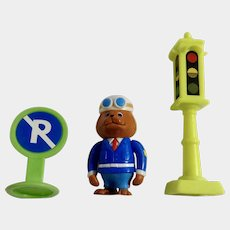 Richard Scarry's Busytown Sergeant Murphy, Stop Light and No Parking Sign PVC and Stop Light Anthropomorphic Animal Figurines HTF