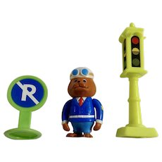 Richard Scarry's Busytown Sergeant Murphy, Stop Light and No Parking Sign Figurines