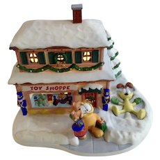 Garfield's Christmas Snow Village The Toy Shoppe Store Jim Davis Danbury Mint Porcelain House 1994 Paws