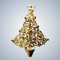 Beautiful Christmas Tree Gold-tone Multicolored Rhinestone Ornaments Pin Brooch