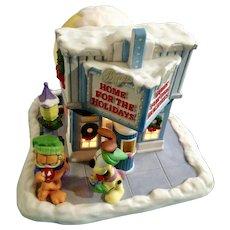 Garfield's Christmas Snow Village At The Movies Jim Davis Danbury Mint Porcelain Theater House 1994 Paws