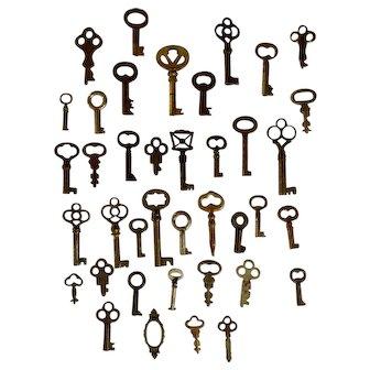Genuine Antique Skeleton Cabinet Keys 38 Brass Steel Iron Steam Punk Group