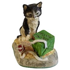 Rare Lowell Davis 'Don't Open Till Christmas' Kitty Cat Opening Present Figurine 1992 RFD America Black and White Tabby