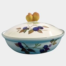 "Evesham Vale Royal Worcester Porcelain 8"" Covered Round Casserole Entree Baking Dish with Peach Handle Knob"
