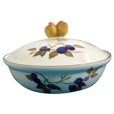 """Evesham Vale Royal Worcester Porcelain 8"""" Covered Round Casserole Entree Baking Dish with Peach Handle Knob"""