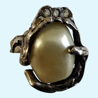 Vintage 1970's Ring Jonathan Bailey for Trifari, Sculpturesque Baroque Faux Pearl