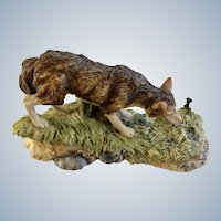 Lowell Davis RFD America Figurine Schmid / Border Fine Arts  225-371 The Survivor, Retired A Wild Wolf Looking at a Wolf Trap