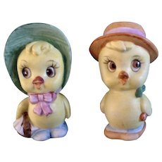 Pair of Anthropomorphic Chicks on Their Way to a Picnic Salt and Pepper Shakers Ceramic S&P Figurines