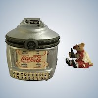Boyds Bear and Friends Treasure Trinket Box #919987 Coca-Cola® Classic Hits Jukebox 1st Edition Retired 2007