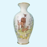 Mother's Day Lenox Porcelain Vase 1984 Doe Deer and Her Fawns