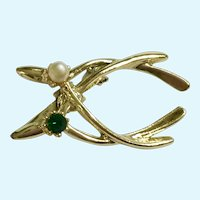 Double Wish Bone Brooch Pin Gold-Tone with Faux Pearl and Emerald Green Crystal