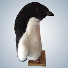 Hen House Large Penguin Bird Plush Stuffed Animal Life Size Norwalk OH Discontinued Model