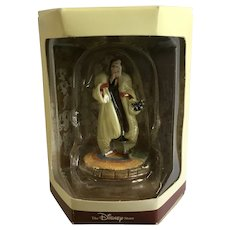 Disney's Tiny Kingdom 101 Dalmatians Cruella De Vil Lady Miniature Figurine Retired New in Box