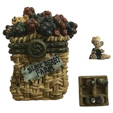 Trinket Box Lizzie's Berry Basket Blackberry Boyds Bear and Friends Treasure Uncle Bean's McNibble Treasure Boxes -#392110 1st Edition Retired