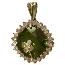 Pendant Crystal Rhinestones Pink and Green with Silver-Tone Flower