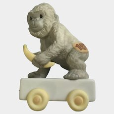 Ape Monkey 15 Years Old Precious Moments It's Your Birthday Go Bananas 2003 Train Car Figurine #116946