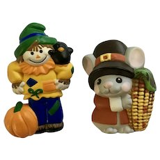 Hallmark Scarecrow and Pilgrim Mouse with Ear of Corn Harvest Brooch Pins