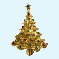 Christmas Tree Brooch Pin Gold-Tone with Green and Red Enamel Decorations Gerry's