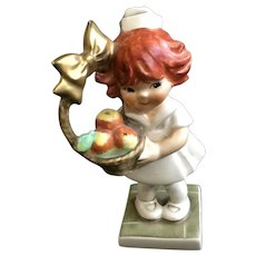 Goebel Red Head Girl Nurse Cheer Up Figurine BYJ50 TMK-5 The Last Bee 1972-1979